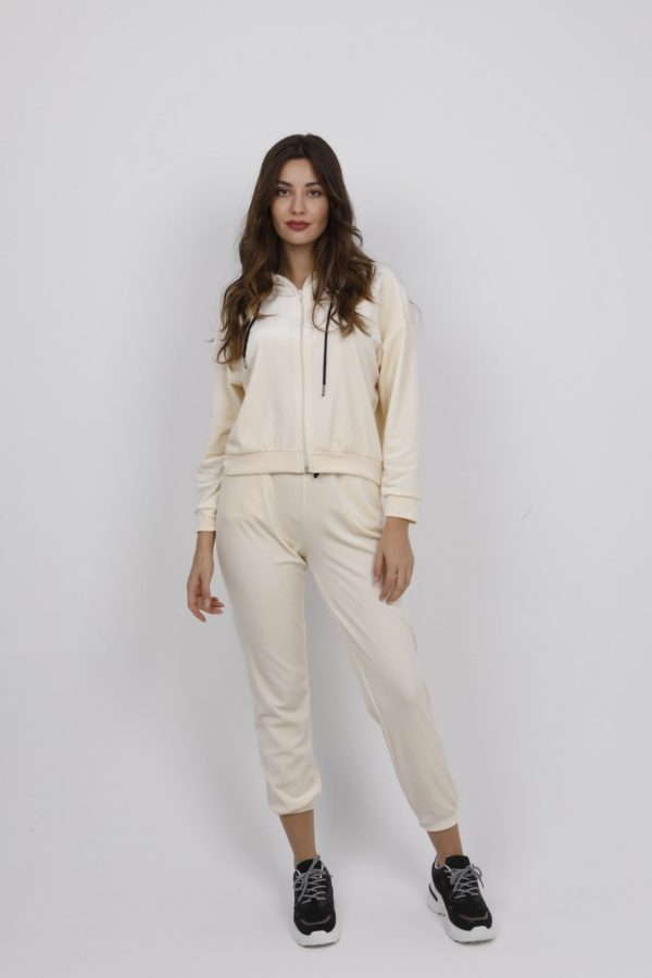 64105 - Tracksuits